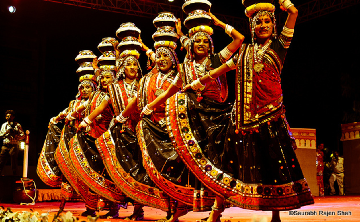 Amdavadis, Craving a new-age Navratri & Garba?Head to These Places for some celebrations with a twist!