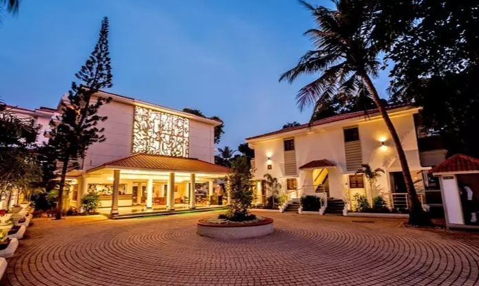 Goa Calling This Christmas & New Year? Here Are The 10 Best Places to Stay At In Goa!